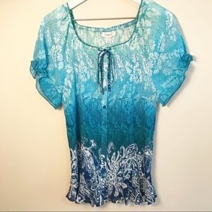 Casual and elegant crinkle stretch button-up top